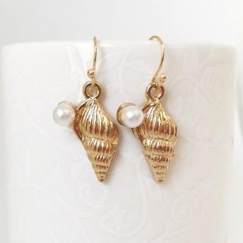 真珠と貝ピアス2