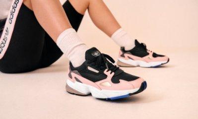 [Roen羅恩代購]  Adidas Originals Falcon W 獵鷹系列 復古氣質女慢跑鞋 老爹鞋 粉黑白