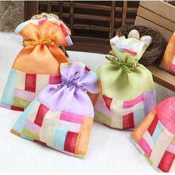 韓国雑貨 韓国伝統 アクセサリー 韓国伝統巾着(中) 韓国伝統の模様を付けた巾着です 花の刺繍がとてもカワイイです 韓国のお土産にもピッタリ!母の日 ギフト