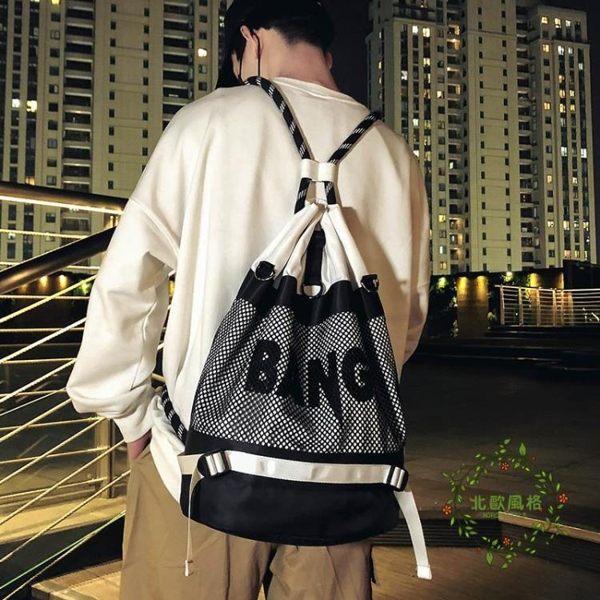 一件8折免運 街頭潮牌後背包男運動籃球包休閒抽繩束口包防水健身包女學生書包