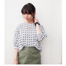 【NICOLE:トップス】5分袖刺繍ブラウス