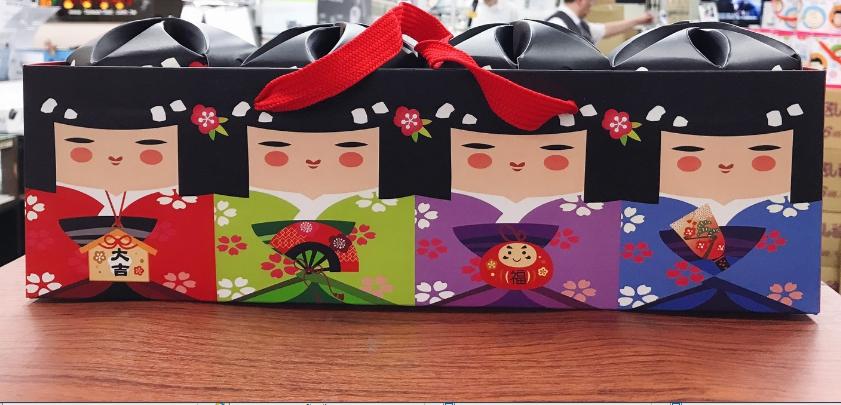 花伊朵黑糖日系娃娃禮盒 (4入裝/組)*3組, 內有四種口味: 玫瑰/紅棗桂圓/薑母黑糖,效期: 2020/3/1