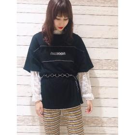 【6,000円(税込)以上のお買物で全国送料無料。】NiCORON立体ロゴ刺繍Tシャツ