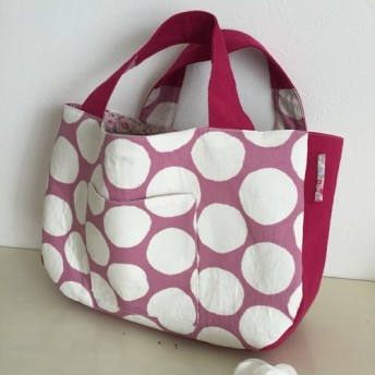 水玉ピンク色の大人可愛いトートバッグ