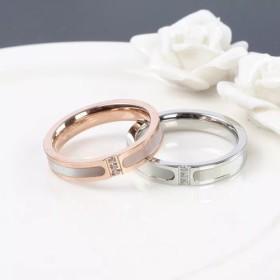 選べる2色、キラキラ付き、天然白蝶貝使用!ステンレスリング指輪 378