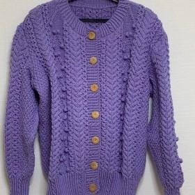 暖かい手編みセーター