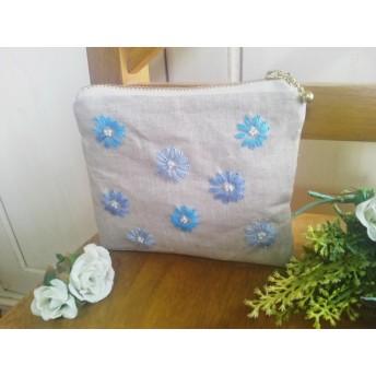 リネン刺繍ポーチ(ブルー系・お花)送料無料