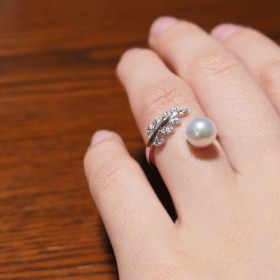 【送料無料】あこや真珠 と ジルコニア の 葉っぱの リング 選べる パール オープンリング【保証書付】