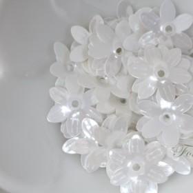 スパンコール 約100枚(約5g) 6枚花びら 光沢 白 (SF615SWHJB00)