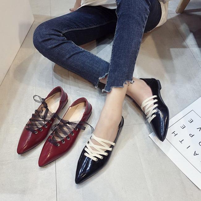 FOFU-包鞋搖滾風繫帶裝飾皮面尖頭低跟包鞋【02S11412】