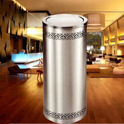 【企隆 圍欄 飯店用品】 煙灰 垃圾桶 置物 收納 回收 C10K 不銹鋼圓型花邊垃圾桶