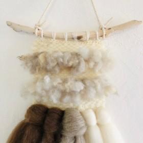 二列のナチュラル羊毛と2色のメリノのhanging