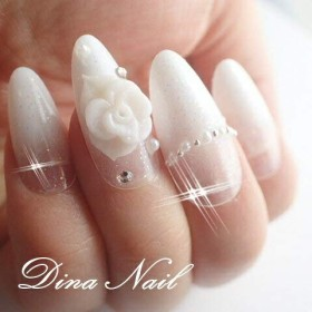 DINAネイル ホワイトラメグラデ3D薔薇  スキニースクエアM(2657.10番)ネイルチップ
