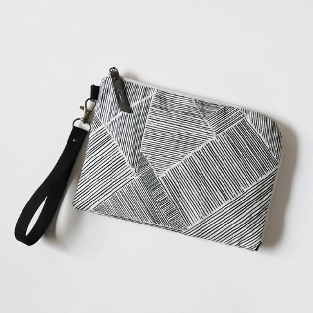 Half zipper clutch bag(M)005.5 母子手帳ケース/通帳ケース/お薬手帳ケース/パスポート
