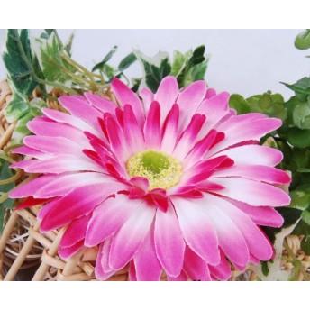 ガーベラ お花の コサージュ 今にも いい香り がしそう 胸元や 麦わら帽に