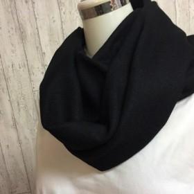 暖かウール100% 圧縮ニットのスヌード 黒