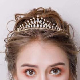 ティアラ ブライダルクラウンヘッドドレス韓国の宝石類のヘアアクセサリーウェディングドレスウォータードロップゴールド人工ジルコンクラウンの結婚式のアクセサリーウェディングヘッドウェアヘアストラップジュエリ