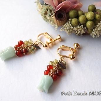 アマゾナイトのぷっくりチューリップ 赤メノウ&ペリドットの可愛いイヤリング(ピアスに変更可)
