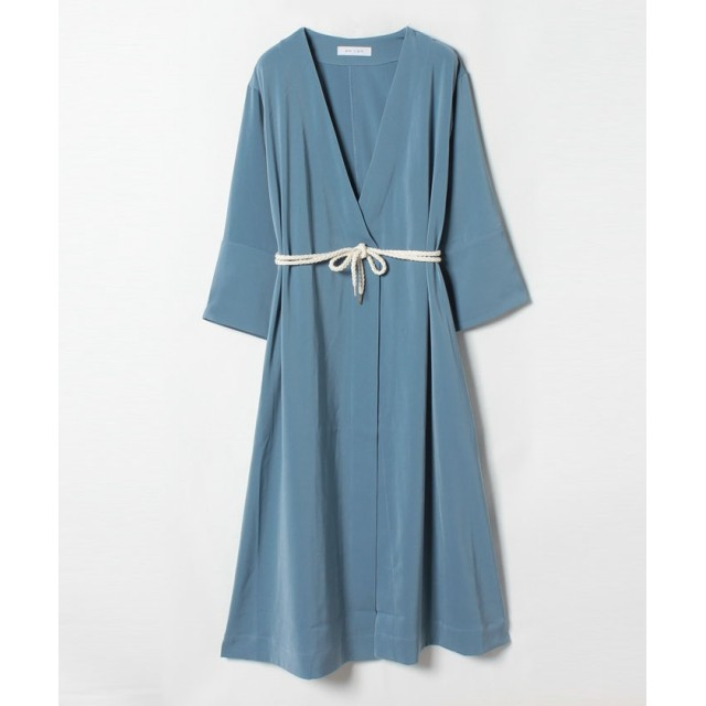 ローブドレス