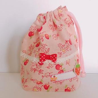 310)給食袋・巾着・コップ袋 YUWAりんごいっぱい いちご付ネームタグ [310]