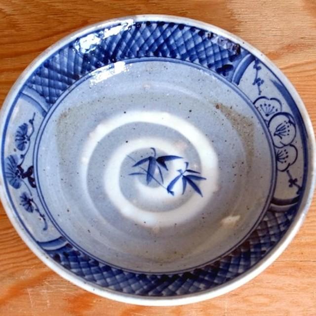 染付平鉢(松竹梅図)