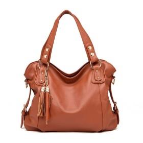 ショルダーバッグは欧米のファッションバッグと肩が合わせやすいです。, ブラウン