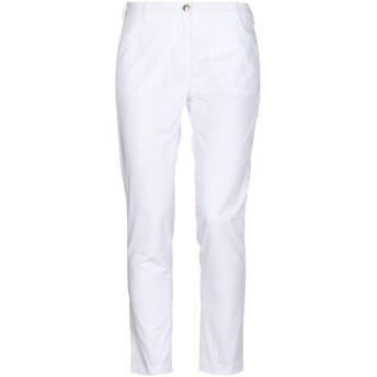 《セール開催中》CRUCIANI レディース パンツ ホワイト 26 コットン 98% / ポリウレタン 2%