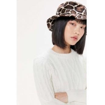 アーバンアウトフィッターズ Urban Outfitters レディース ハット バケットハット 帽子 UO Little Bit Of Fuzzy Bucket Hat Giraffe