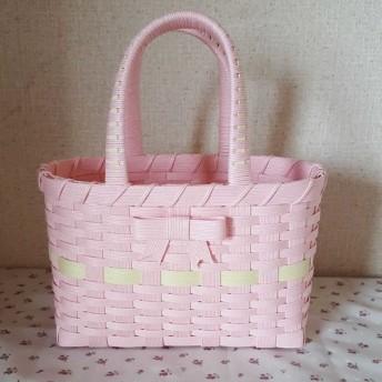 エコクラフト ピンクのかごバッグ