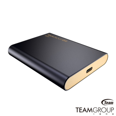 IP66防塵、防水、防震、耐壓 內附2條傳輸線(編織線) 精緻溫潤質感,獨特深海藍色外觀 USB3.1 gen1高速傳輸 支援UASP技術,三年原廠保固