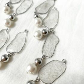 キラキラ光る水たまりイヤリング・ピアス(シルバー/パール)sparkling paddle (silver/Pearl)