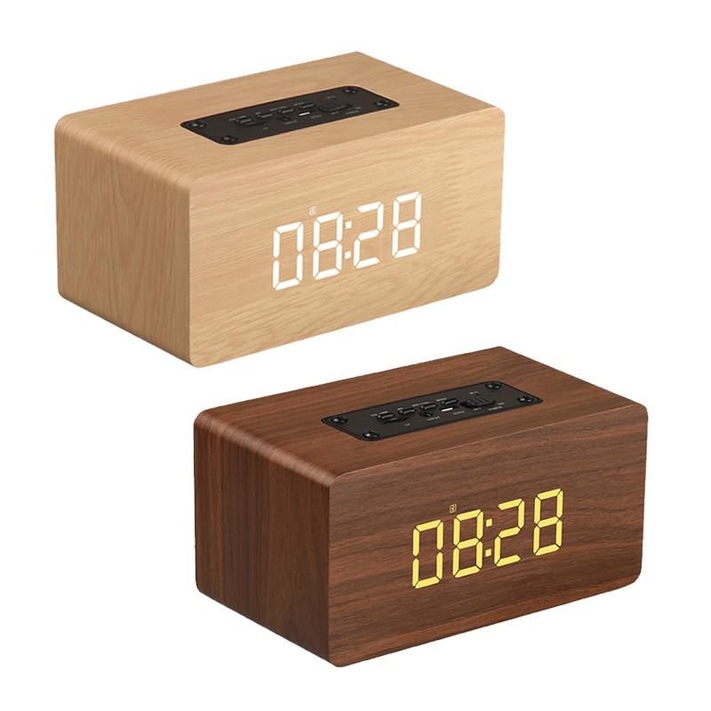 質感木紋元素,自然舒適藍牙4.2快速配對LED時鐘顯示5Wx2超大雙聲道喇叭可連續播放5小時持久續航支持TF卡、AUX播放內容物:喇叭*1、USB充電線*1、說明書*1產品:木紋無線藍牙喇叭 充電輸入