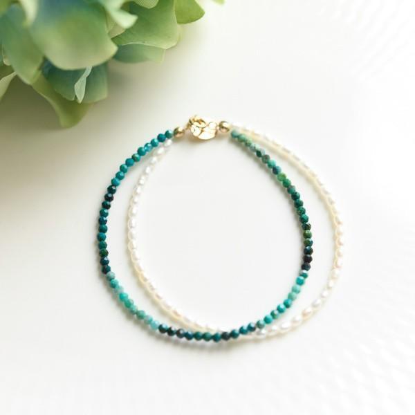 象徵好運和繁榮的石頭淡水珍珠和水母矽孔雀石的雙重手鐲六月誕生石