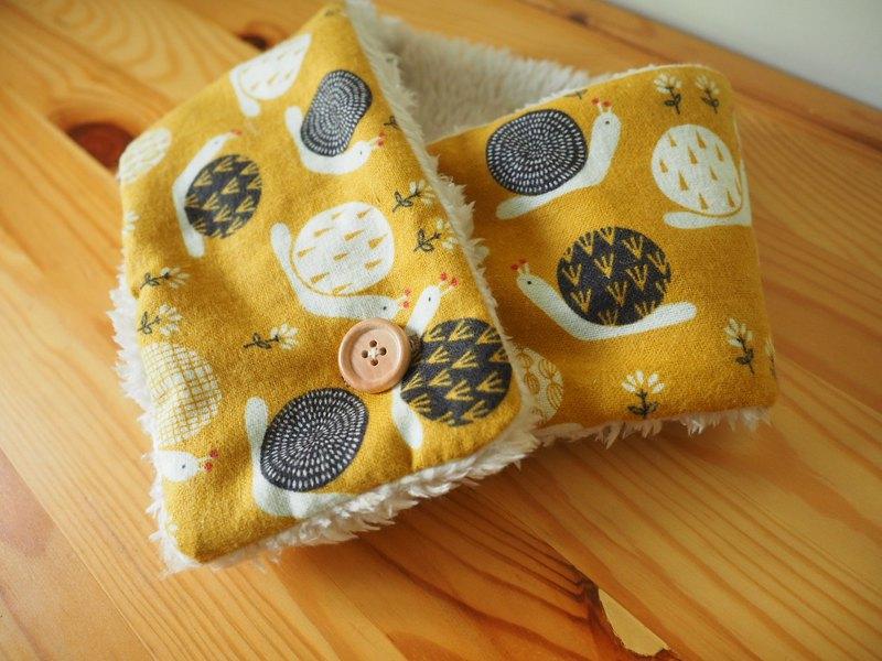 手工縫製保暖圍巾圍脖頸巾 黃色蝸牛圖案