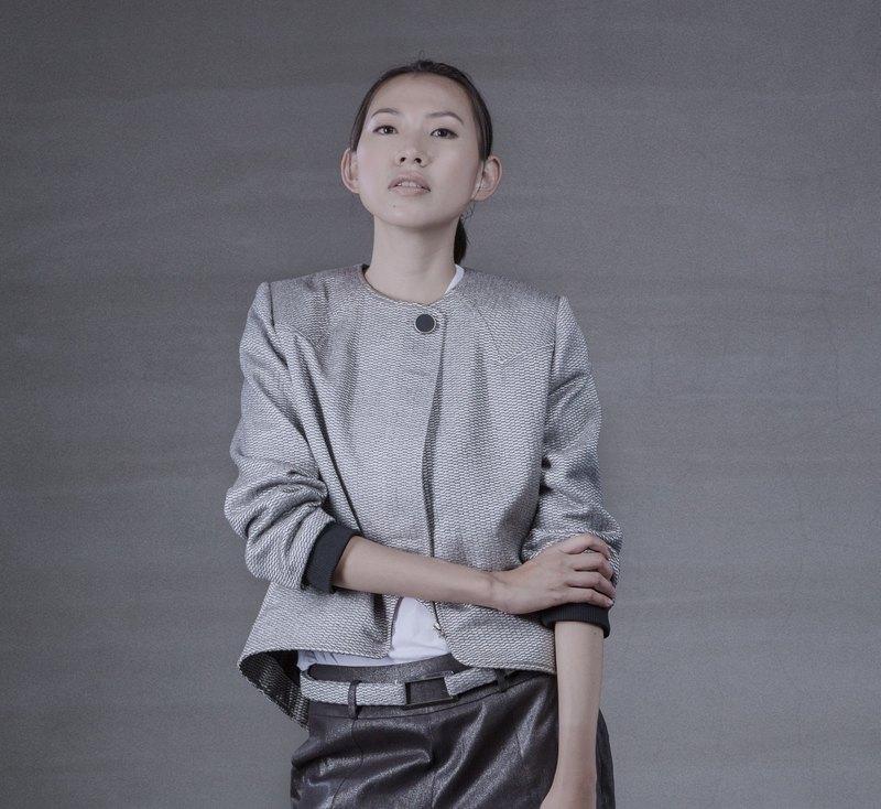 YIBO/銀灰夾克外套