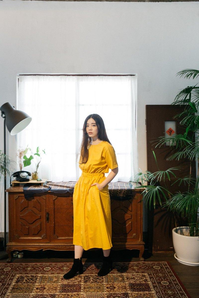 黃色休閒感洋裝