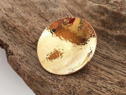 滿月◇黃銅鍛造金胸針