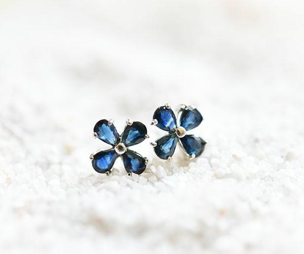 魅力自然,勝利運氣,錢運氣等。增加三葉草藍色藍寶石耳釘9月誕生石