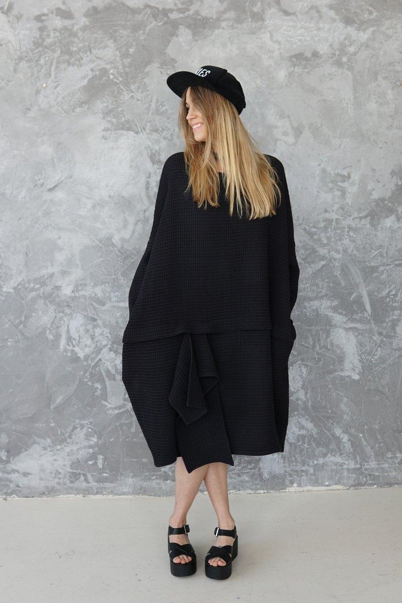 黑色大廓形連衣裙