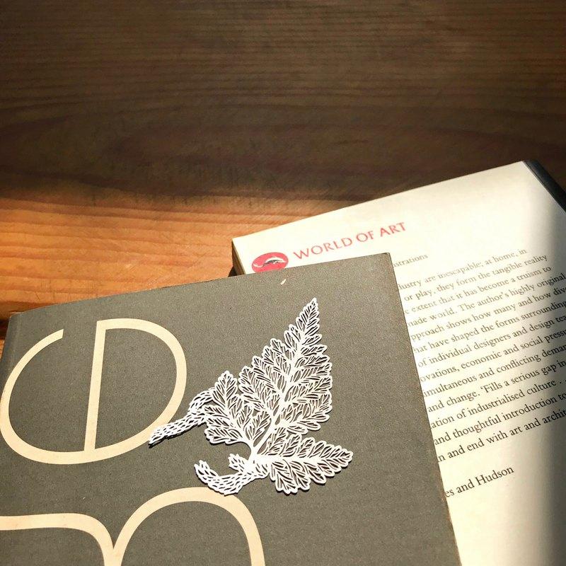 蕨類標本紙雕 - 兔腳蕨
