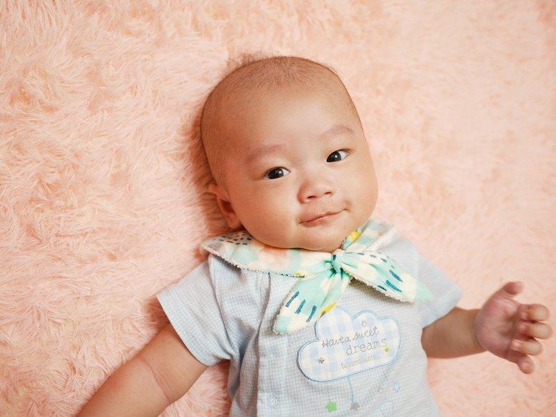 嬰兒口水巾【水手服領結】﹝幾何方塊藍﹞