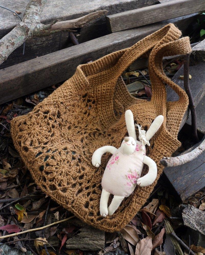 ChiChi手作-如窗花般美麗的手編織包-溫暖手編織麻繩包-含內裡款