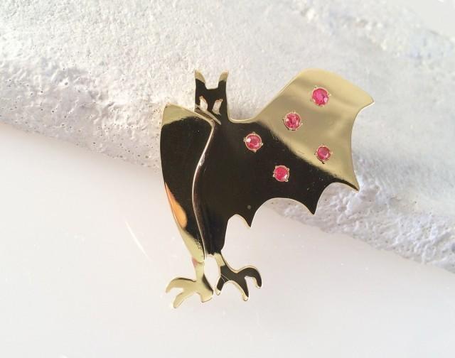 蝙蝠Spineled翼蝙蝠黃銅胸針