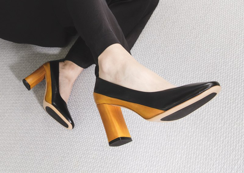 【Online Exclusive】HTHREE 8.5拼接高跟鞋 / 黑