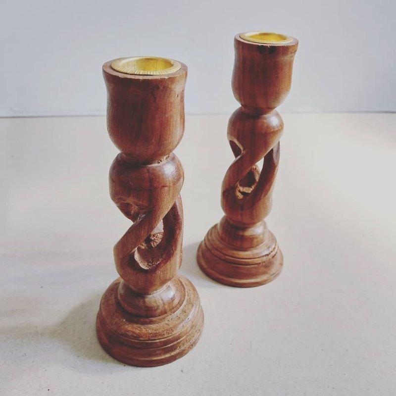 美國古董 木質手工立體螺旋鏤空雕刻蠟燭燭台組/擺設(二個一組)