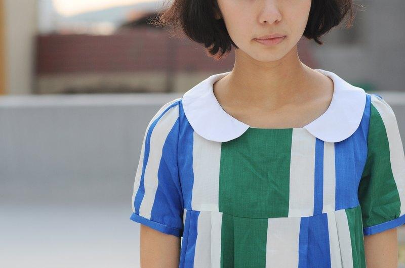 【換季特賣】學生領 綠藍幾何 日本薄棉料長上衣