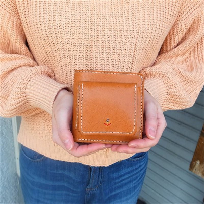 [日本製造的皮革產品]帶有隱藏式口袋和分隔g-54的多功能雙折錢包[從以下產品類型中選擇顏色]