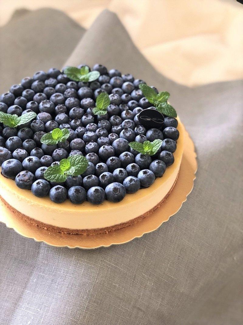 藍莓重乳酪   濃郁重乳酪搭配新鮮藍莓的視覺與味蕾雙重奢華享受