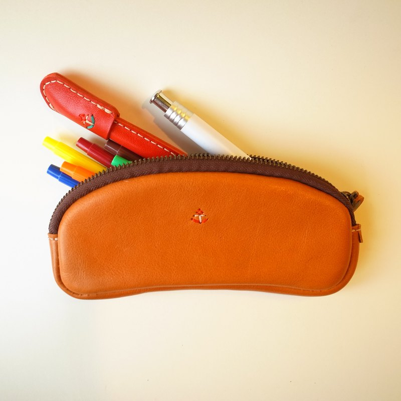 [日本製造的皮革產品]還可以容納眼鏡的筆盒st-6-s [請從以下產品類型中選擇顏色]