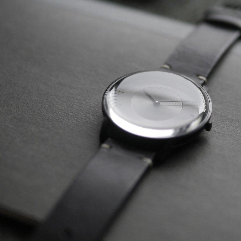 SILO 3861 極地光暈植鞣皮革手錶 - 黑